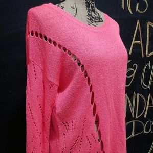 Great condition Forever 21 cut-out design shirt.